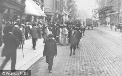 Newcastle Upon Tyne, People In Northumberland Street 1911