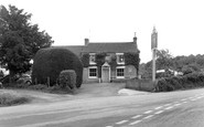 Newent, Glasshouse Inn c.1965