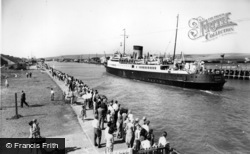 Newhaven, Cross Channel Ship Londres At Newhaven c.1965