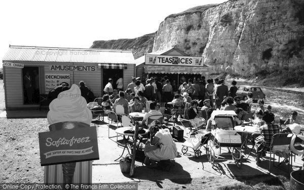 Newhaven, the Beach Cafe c1960