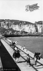 Newhaven, The Cliffs From The Breakwater c.1965