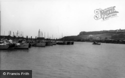 Newhaven, The Harbour c.1960