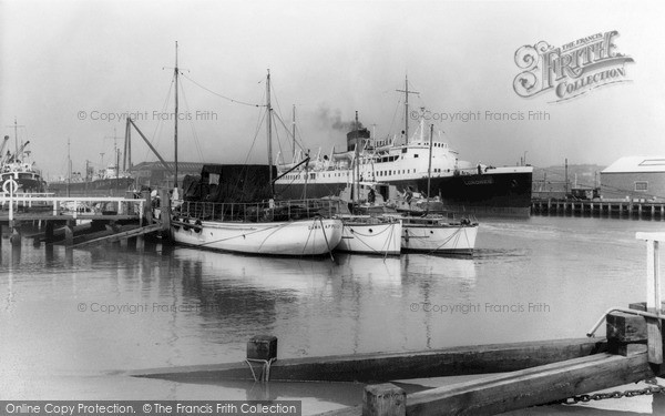 Photo of Newhaven, The Harbour c.1965