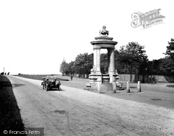 Newmarket, Cooper Memorial And Cambridge Road 1929