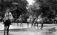 Newmarket, Racehorses Crossing Main Road c.1955