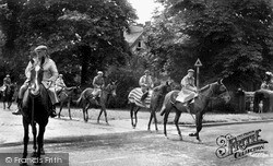 Newmarket, Racehorses Crossing Main Road c.1955