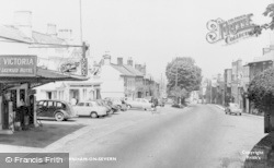 Newnham, High Street c.1960