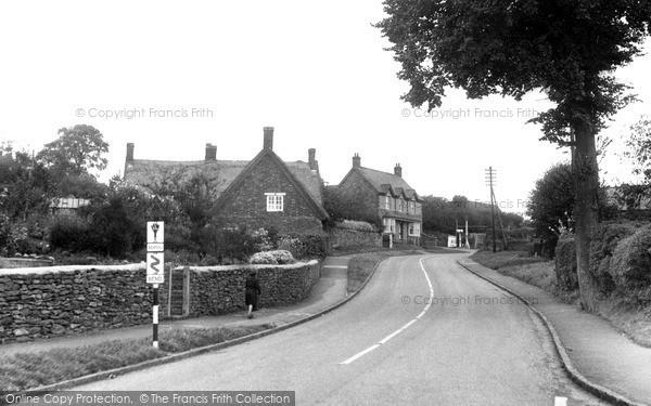 Newnham, School Hill c.1955