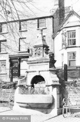 Newnham, The Old Horse Trough c.1950