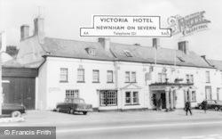 Newnham, Victoria Hotel c.1965
