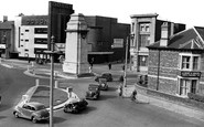 Newport, Cenotaph and Clarence Place c1955