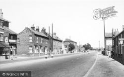 Main Road c.1960, Newport