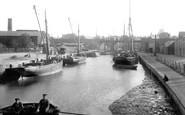 Newport, Medina Quay 1913