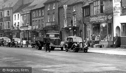 Morris Cars c.1955, Newport