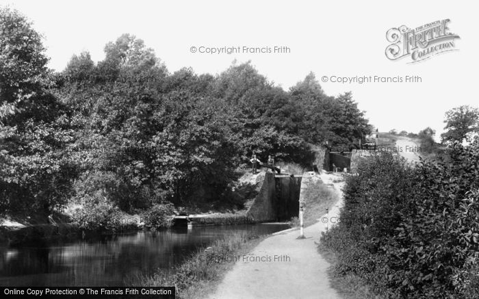 Photo of Newport, on the Canal, fourteen Locks 1896, ref. 38707