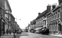 Newport Pagnell, High Street 1956