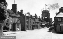 Newport Pagnell, High Street And Church Of St Peter And St Paul 1950