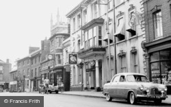Newport Pagnell, Swan Hotel 1956
