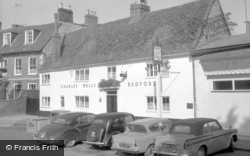 Newport Pagnell, The Dolphin 1962