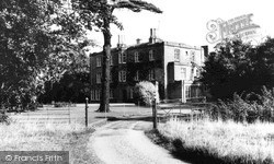 Newport Pagnell, Tickford Abbey c.1965