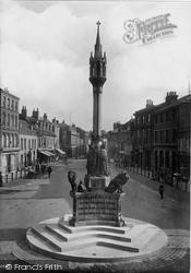 Newport, Queen Victoria Memorial 1913