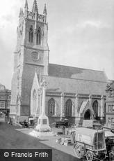 Newport, St Thomas Church and War Memorial 1923