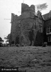 The Castle 1953, Newport