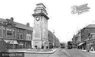 Newport, The Cenotaph 1925