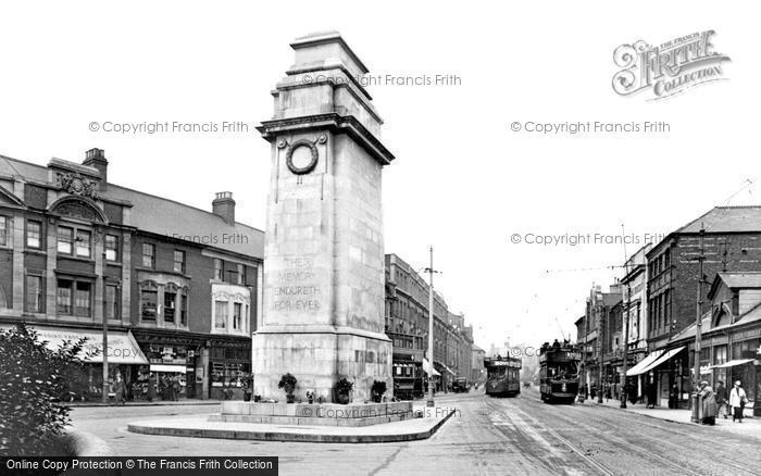 Photo of Newport, the Cenotaph 1925, ref. 77462