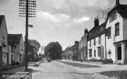 Newport, The Olde Vicarage Antiques 1932