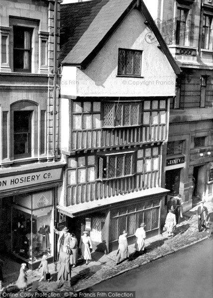 Photo of Newport, Ye Olde Murenger House c1950, ref. N25139