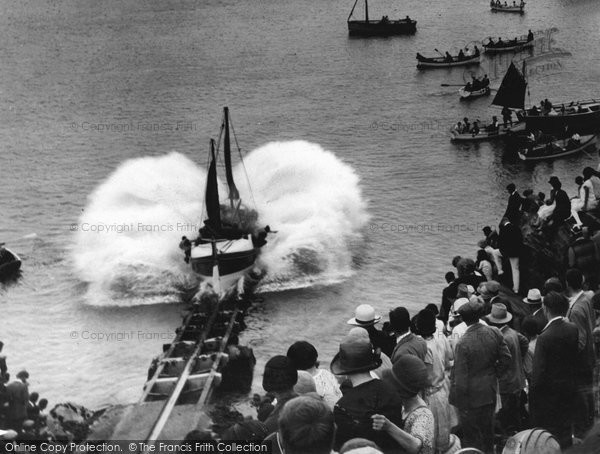 Newquay, Launching The Lifeboat 1928