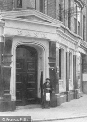 Newton Abbot, Courtenay Street, Bank 1901