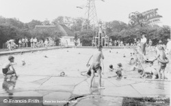 Newton Abbot, Penn Inn Swimming Pool c.1955