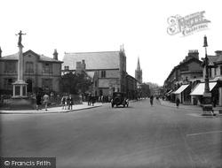 Newton Abbot, Queen Street And War Memorial 1930