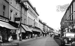 Newton Abbot, Queen Street c.1955
