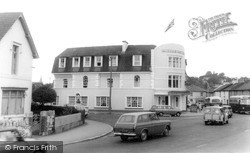 Newton Abbot, Queens Hotel c.1965