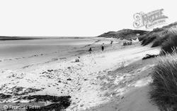 Newton-By-The-Sea, The Beach c.1960