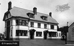 Newton-Le-Willows, Pied Bull Hotel c.1955