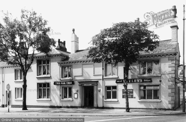 Newton Le Willows, the Oak Tree Hotel c1960