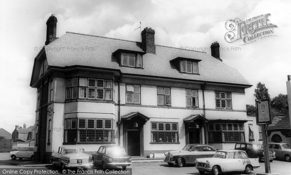 Newton Le Willows, The Pied Bull c1960