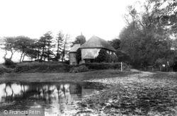 Newton Valence, The Pond 1907