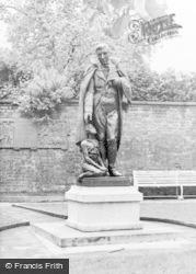 Newtown, Robert Owen Statue c.1955