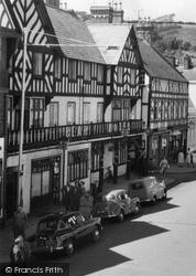 Newtown, The Bear Hotel, Broad Street 1959