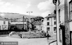 Newtown, The Cresent c.1960