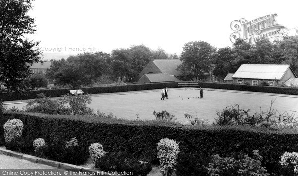 Photo of Normanton, Haw Hill Park, Bowling Green c1965