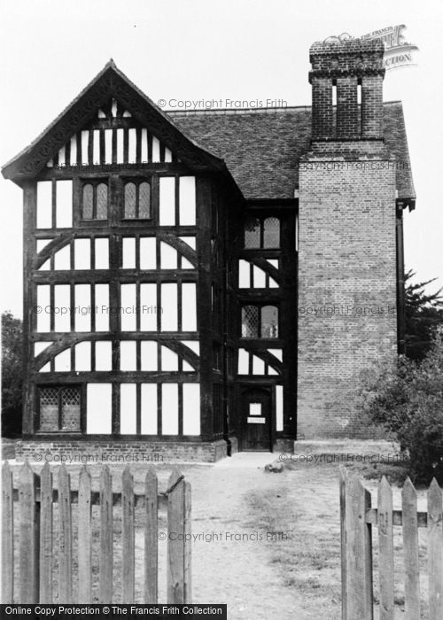 Photo of North Chingford, Queen Elizabeth's Hunting Lodge And Museum c.1955