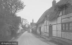 North Moreton, High Street c.1950