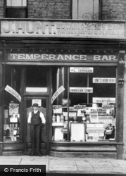 North Shields, J. Hunt's Temperance Bar, Saville Street c.1910
