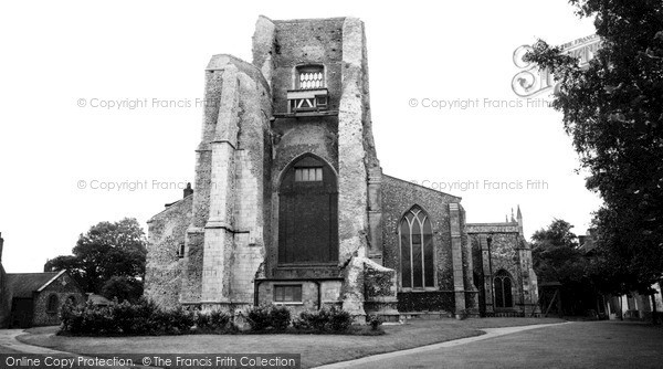 Photo of North Walsham, the Parish Church c1955, ref. n42047
